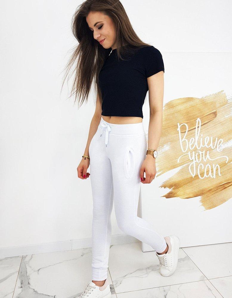 damskie ubrania modne - bluzka i spodnie